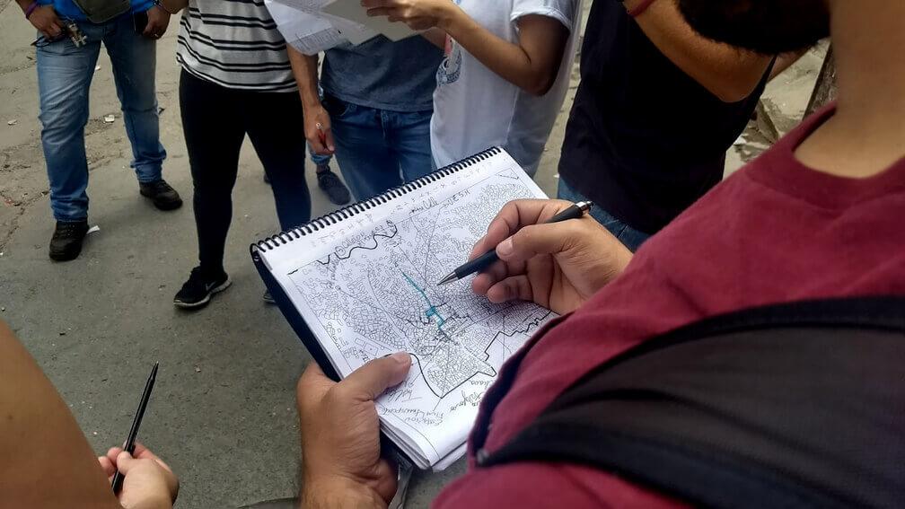 Estudiantes mapean la comunidad de San Miguel en Caracas