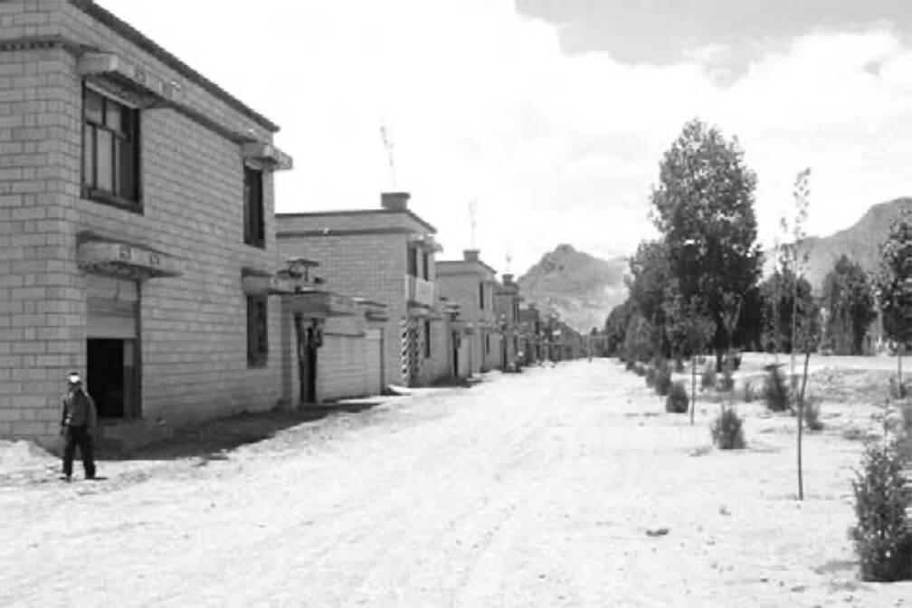 Viviendas construidas bajo imposición del gobierno Chino en Tibet